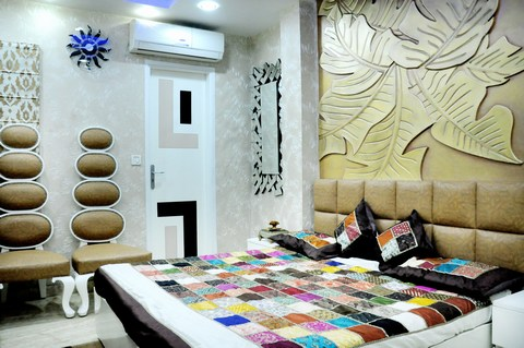 You Will Fall In Love With This Bedroom Designed For A Young Couple With A  Classy Taste. Expert Interior Designers At Futomic Design Services Pvt.  Ltd. Have ...