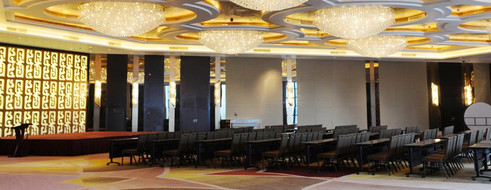 Modern Theme Restaurant Interior Designers In Delhi Noida